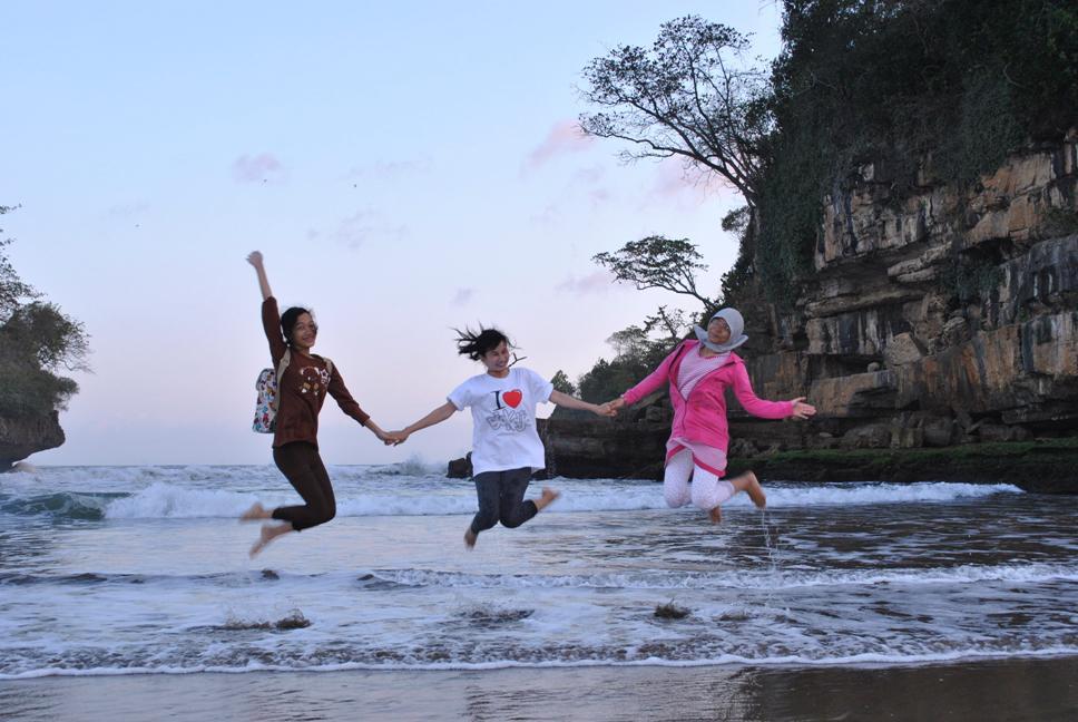 Pantai Pelang Trenggalek Petualang Kere